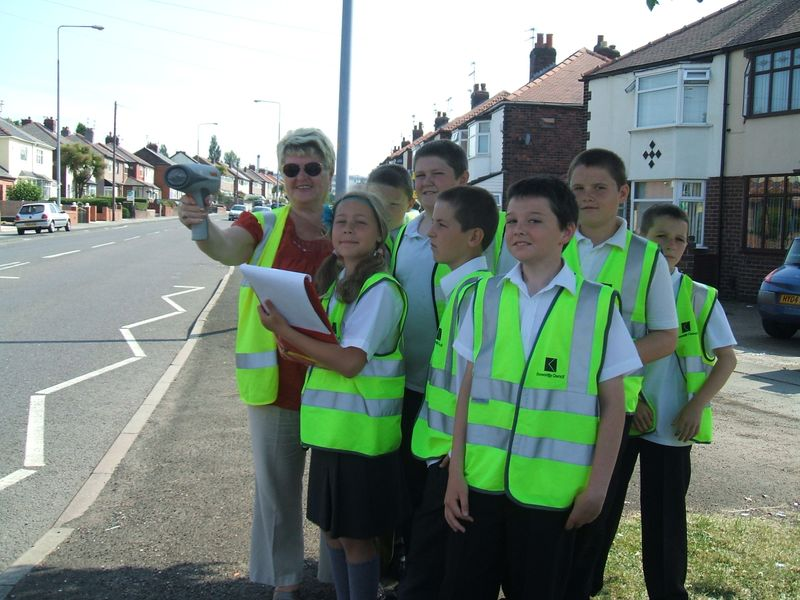 Cllr Kelly with Whiston Willis pupils