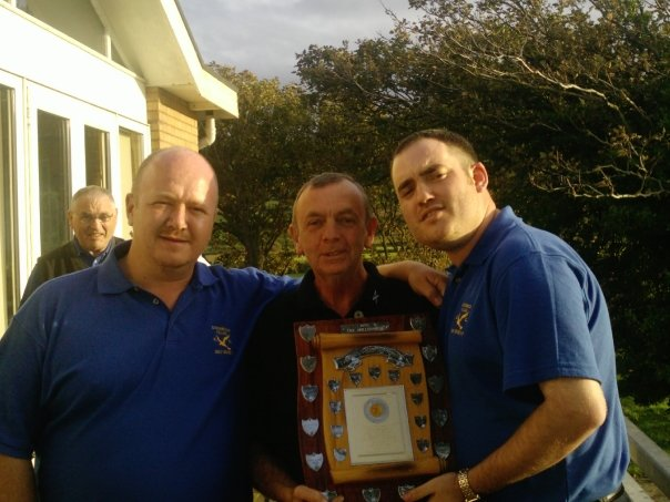Captain Ste Butterworth (right) with Jimmy Gibb of the Malletsheugh (centre) with the friends across the border sheild 2008