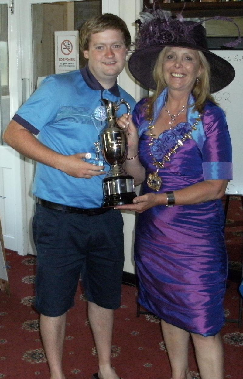 Charity golf competition pic