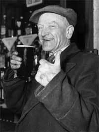 Pint_of_beer_2
