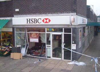 Rainhill_hsbc_bank_raid_november_2005_2
